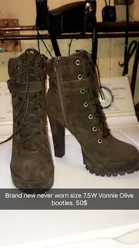 pair of brown leather boots Peterborough, K9J 6L7