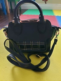 Purse Mississauga, L5L 1R4