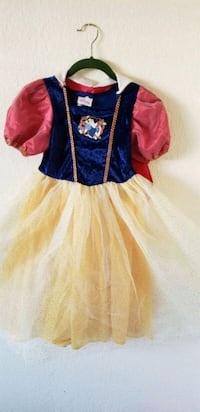 Snow white costume size 4-6 Riverside