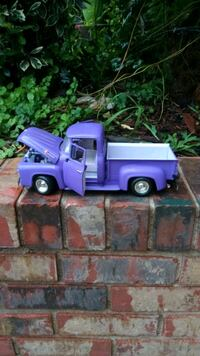 1946 Ford F-100 1/18 scale Middle Valley, 37343