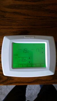 Touchscreen programmable Honeywell thermostat  Pitt Meadows, V3Y 2M5