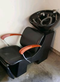 black leather salon hair washing chair Burnaby, V3J 7Y2