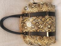 Women's purse hand bag  Winnipeg