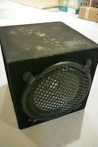 Subwoofer with box Milton, L9T 6Z3