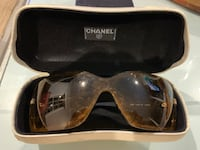 black framed Gucci sunglasses with case 29 km