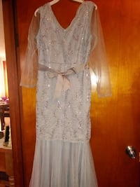 Grey v neck lace long sleeve dress Joliet, 60435