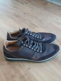 pair of black-and-brown low top sneakers Fairfax, 22030