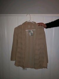 Guess light knitted Sweater Beaumont, T4X 1B1