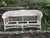 FREE: Vintage wicker couch. Sturdy enough, just needs paint and cushions  Alexandria, 22305
