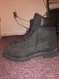 pair of gray Timberland nubuck work boots 996 mi