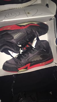 Jordan 5s black and red Riverdale, 20737