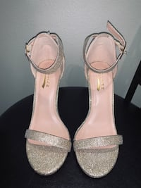 Gorgeous shimmering gold heels size 7 San Diego, 92123