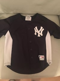 NY Yankees jersey for kids size 5-6 Toronto