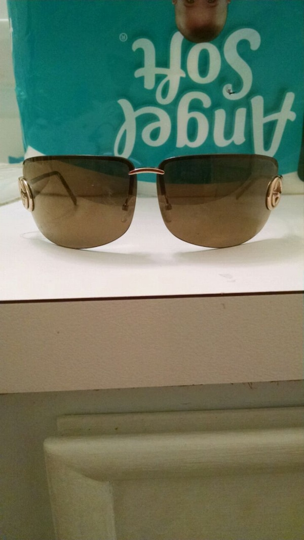 31db6855a6 Used Gold Gucci glasses for sale in Virginia Beach - letgo