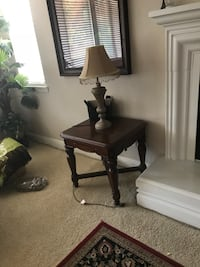 brown wooden table with table lamp Sacramento, 95842