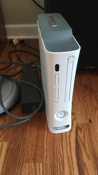 White xbox 360 game console Sterling Heights, 48314