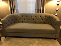 Stylish Couch for Sale Brampton, L6P 3X1