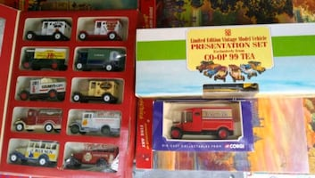 LOT OF LLEDO DIECAST CARS AND SETS ENGLAND