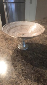 round clear glass bowl with lid Calgary, T3N 0P8