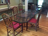 Dining table and chairs Potomac