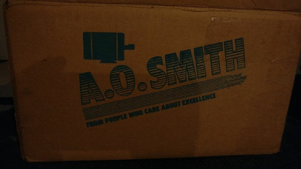 A.O Smith labeled box  f0e03ecb-2b51-4707-8e28-a4573d232d0c