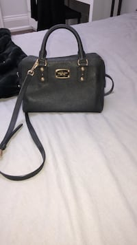 MICHAEL KORS black leather purse Vaughan