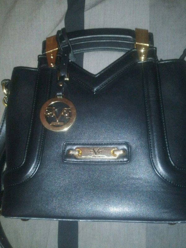 be3e6dde2e86 Used Versace Purse New Authentic for sale in Queens - letgo
