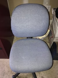 Office chair (pneumatic) - mid back Georgetown, L7G 6B6
