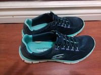 pair of black-and-teal Sketcher size 7 shoes Edmonton, T5A 4N4
