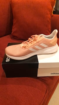 Adidas Woman's Shoes Size 10 Gainesville, 20155