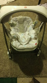 Baby swing EUC Kingston, K7M 4K5
