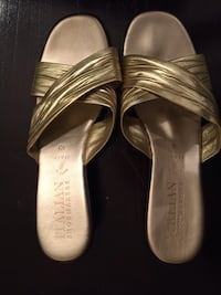 Size 10 EUC Italian shoemakers gold sandals