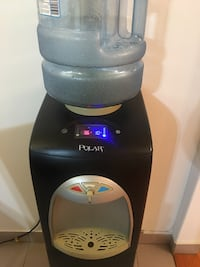Black and gray water dispenser fixed price Montréal, H8R 3C1