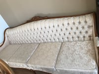Beautiful ornate 4-seat couch and matching oversized chair Brampton, L6S