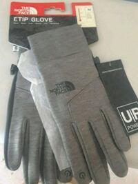 The North Face gloves Alexandria, 22306