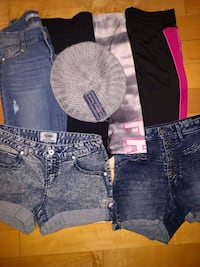 Girl pants and short. All for 15$