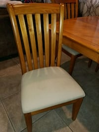 OAK TABLE AND 6 CHAIRS 2066 mi