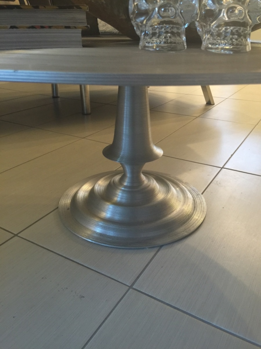 Used gray metal round coffee table in palm springs letgo for Gray metal coffee table
