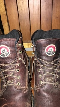 Red Wing work boots - Irish Setter 9-1/2 Kittery, 03904