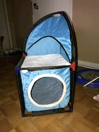 blue and white pet carrier Toronto, M4H 1C7