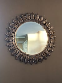 Set of 2 Round gold-tone framed mirrors Palos Park, 60464