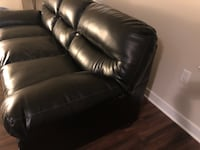 Black leather sofa  null