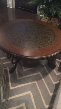 Real wood round coffee table  Hamilton, L8J 0C2