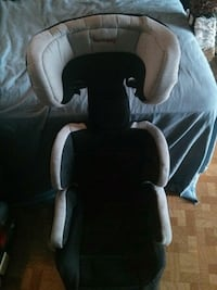 gray and black Harmony car seat Bellevue, 98008