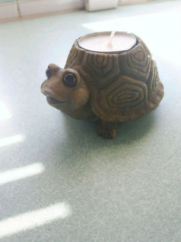 brown ceramic turtle tealight candle holder