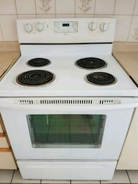 Whirlpool white &black electric coil range stove  Mississauga, L5M 4G8