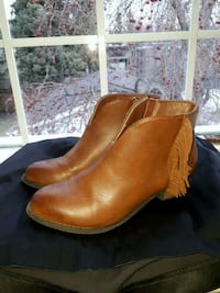 pair of brown leather boots Calgary, T2T 1Y5