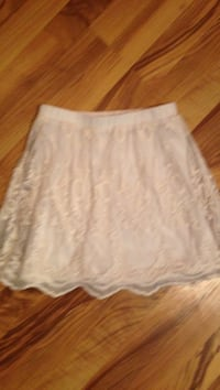 women's white skirt Calgary, T2T 4M5