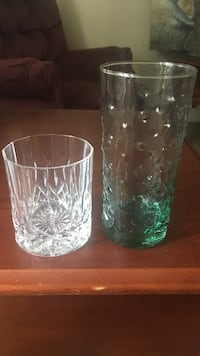 two clear drinking glasses Bossier City, 71111