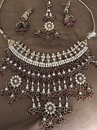 necklace set with earrings and  tikka  Ashburn